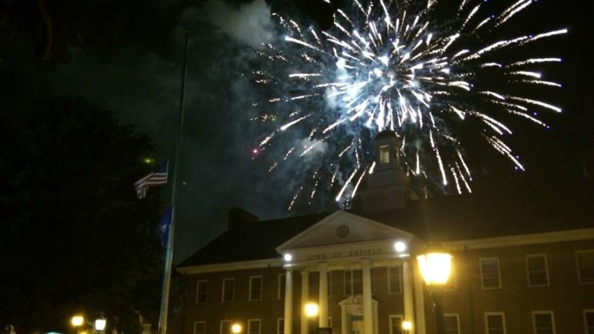 2016 fireworks in Enfield