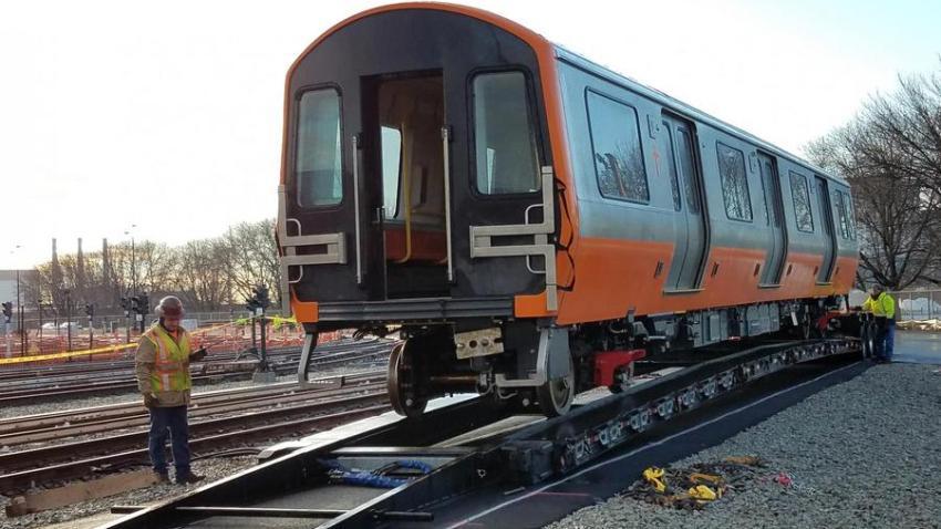 2019-01-09-orange-line-car-delivery-solo900xx2000-1333-0-84