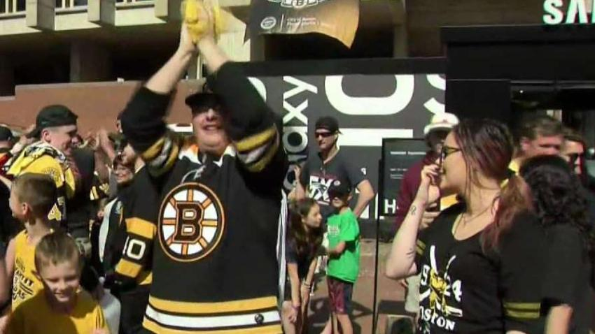 Bruins_Fans_Head_Downtown_for_Stanley_Cup_Kick_Off_Concert.jpg