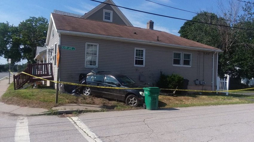 Car crashes into Warwick home