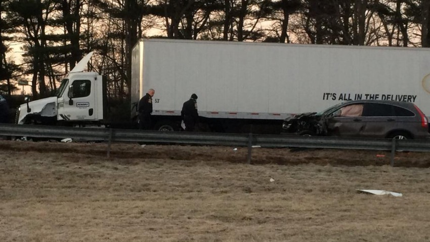 Crash on Interstate 691 in Meriden Dec 4