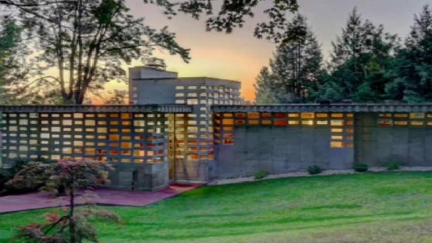 Frank_Lloyd_Wright_Home_Up_for_Sale.jpg