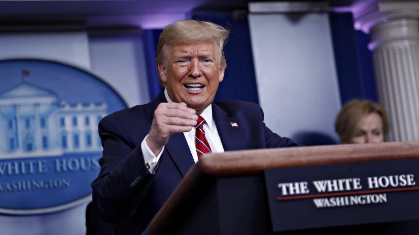 Donald Trump durante una conferencia de prensa.