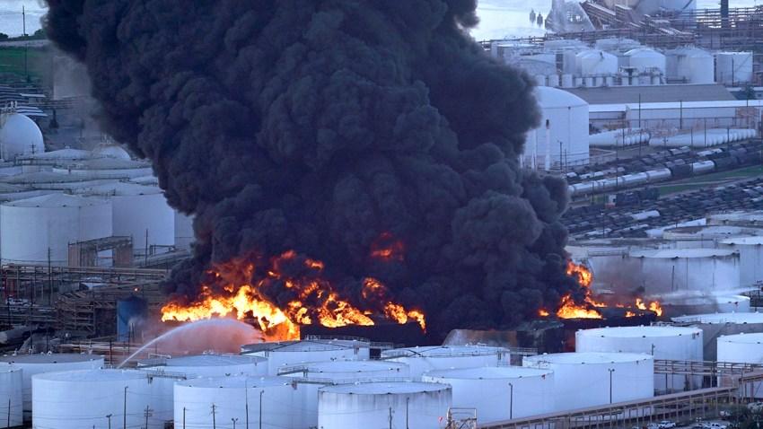 APTOPIX Petrochemical Fire Texas