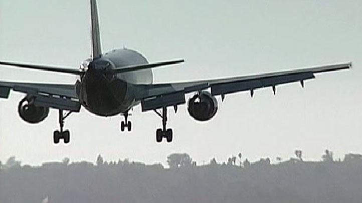 Plane-arriving-generic