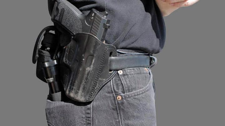 Police-Officer-Gun