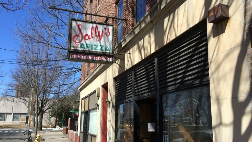 Sallys Apizza New Haven 1200