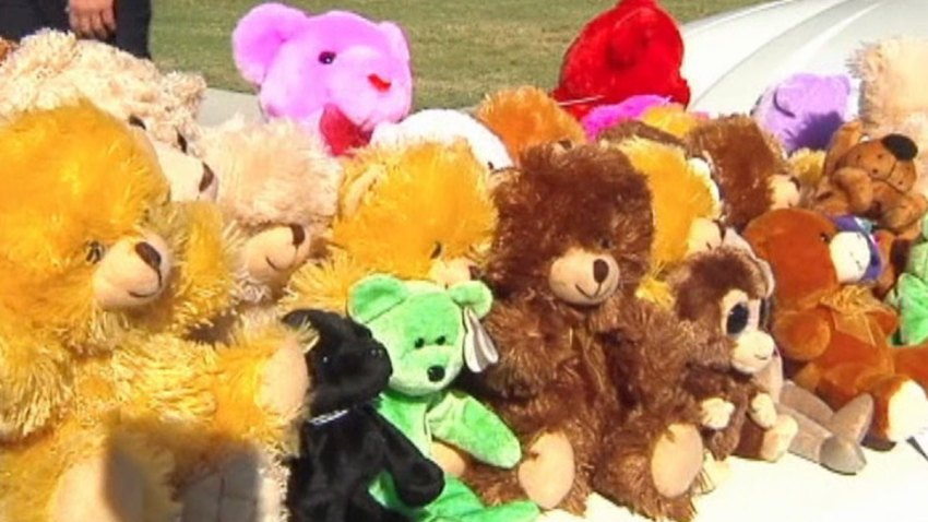 Teddy-Bear-Donation-092513