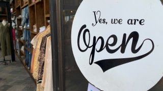 Vermont store reopening sign
