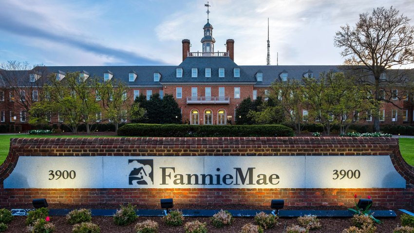 Earns Fannie Mae