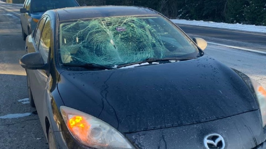 maine car windshield shattered with ice
