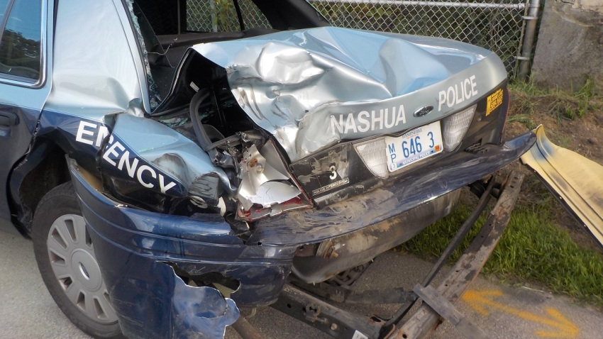 nashua NH police cruiser crash