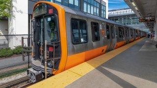 orange-line-new-train