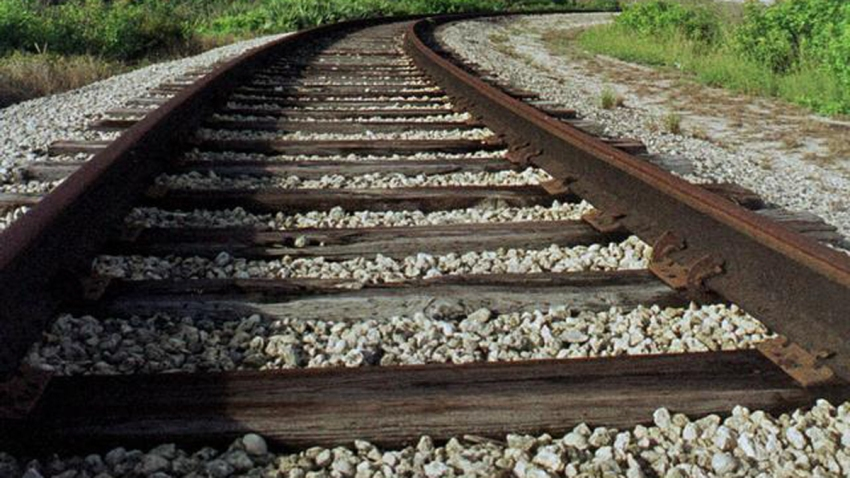 railroad tracks generic1