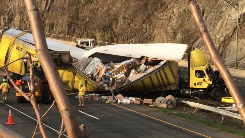 route 8 crash in Waterbury naugatuck