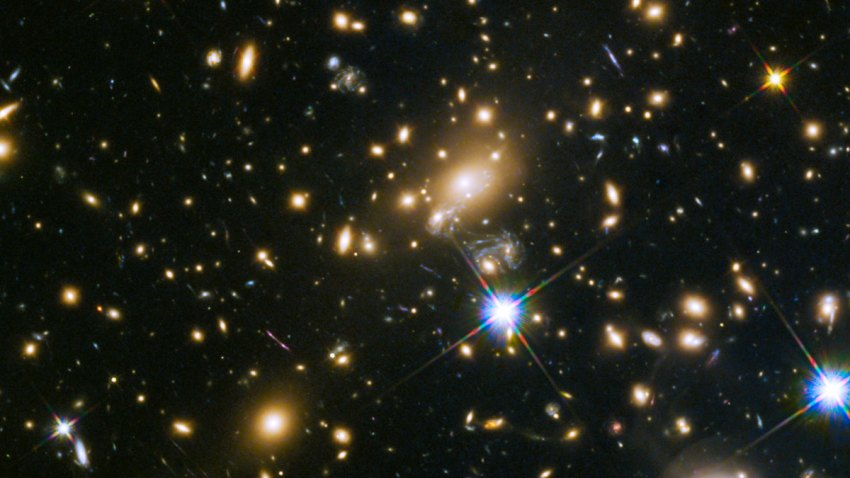 Galaxy cluster MACS j1149.5+223