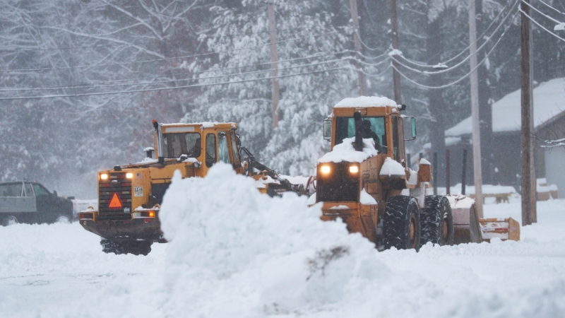 TIMELINE: An Hour-by-Hour Look at This Weekend's Nor'easter