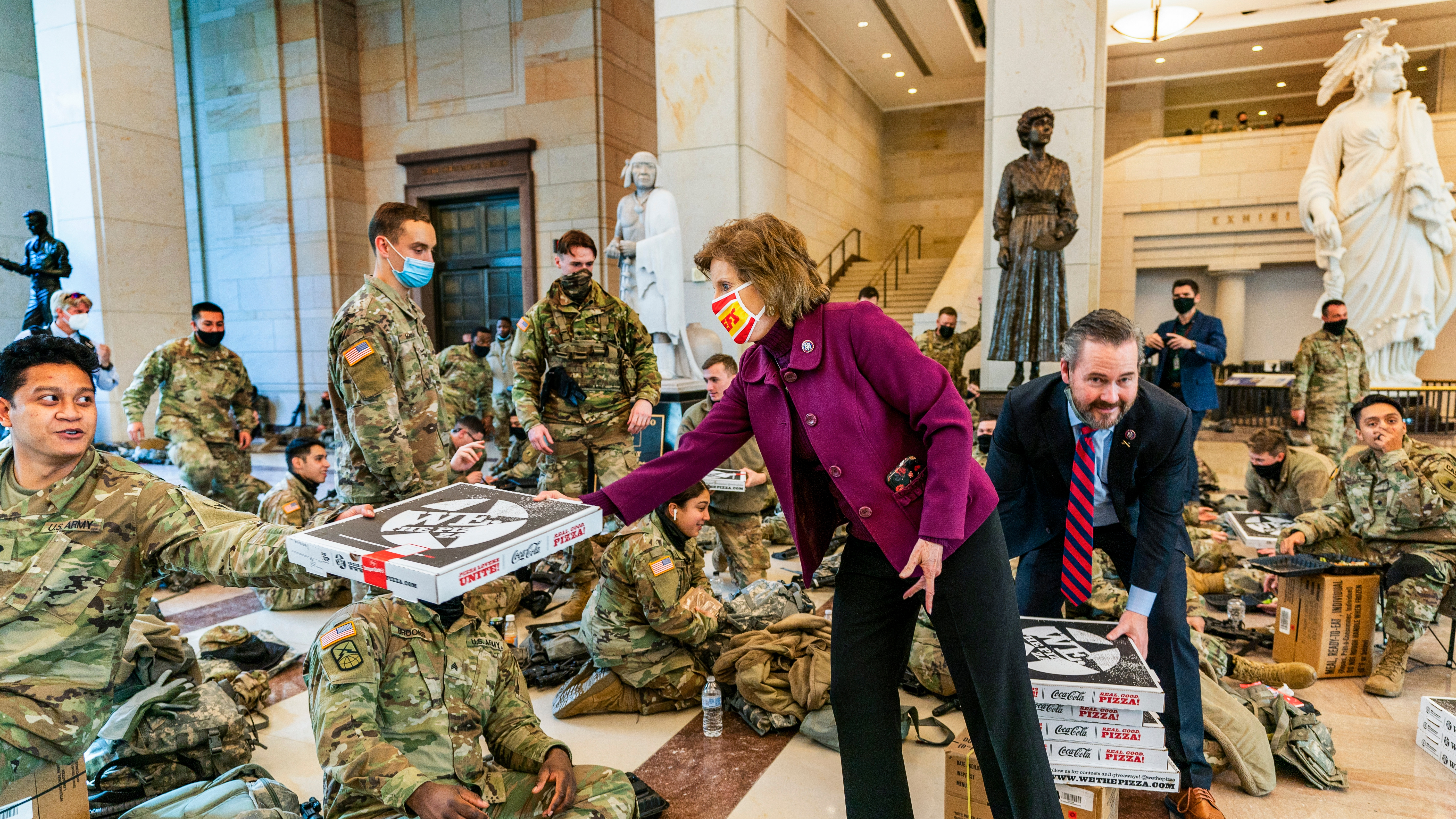 DC Pizza Shop Delivers Hundreds of Pies to National Guard Stationed at the Capitol – NECN