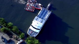 A Seastreak ferry ran aground in Brooklyn with over 100 passengers and crew on board.