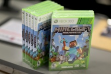Man Charged With Soliciting Nude Photos of Boys on Minecraft