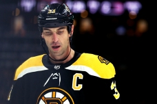 Bruins Zdeno Chara to Miss 4 Weeks With MCL Injury
