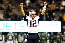 Pats Banged Up As Brady Chases Wins Record Against Rams