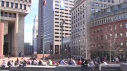 Bostonians Enjoy the Warm February Weather