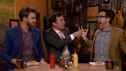 'Tonight': Fallon, Rhett and Link Eat Dog Food Hot Dogs