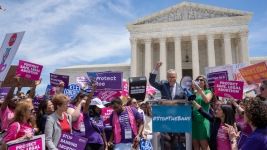 Abortion Rights Advocates Protest Across US to #StoptheBans