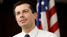 Navy Vet Buttigieg Calls Out Trump for Bone Spurs Claim