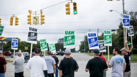Talks Resume as UAW Strike Against GM Enters Second Day
