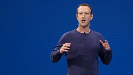 FB CEO Uses Holocaust Example to Defend Takedown Policies