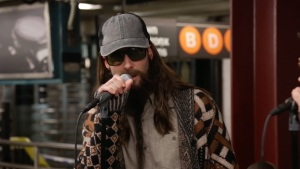'Tonight': Maroon 5 Performs in NYC Subway in Disguise