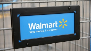 Wal-Mart Apologizes Over Univ. T-Shirt Showing Wrong State