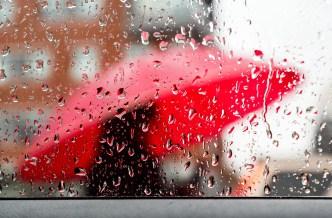 Rain Turning to Snow as Arctic Blast Hits New England
