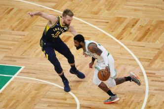 Celtics Take 2-0 Lead Over Pacers in 1st Round of Playoffs