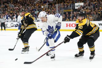 Maple Leafs Edge Bruins 2-1 in Game 5