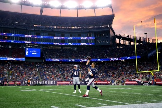 Patriots Hold Off Panthers, Improve to 3-0 in Preseason