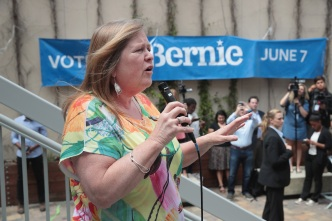 Spokesman: No Charges for Bernie Sanders' Wife