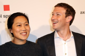 Zuckerberg, Chan Promote Literacy With $30M Gift