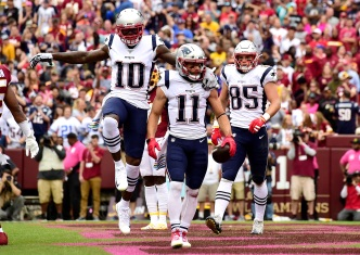 Patriots Pull Away in Second Half, Move to 5-0