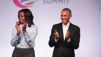 Obamas Step Up Political Efforts Ahead of Midterms