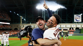 Altuve's HR in 9th Sends Astros to World Series Over Yankees