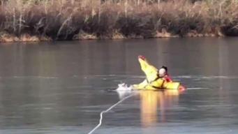 Duxbury Firefighters Warn Public About Thin Ice