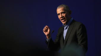 Obama Won't Hold 'Punches', Starts Midterm Campaign Push