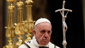 Pope During Easter Vigil: Reject the 'Glitter of Wealth'