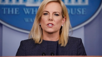 'Shame': Protesters Disrupt DHS Chief's Dinner at Mexican Restaurant