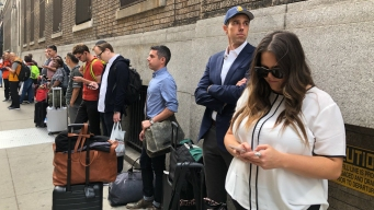 Beto O'Rourke Boards a Bolt Bus in NYC for Trip to Boston