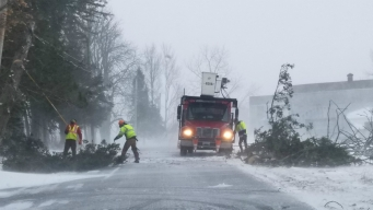 Blizzard Knocks Out Power to More Than 150K in New England