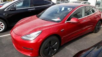 Tesla's Top Vehicle Engineer Is 'Taking Time Off'